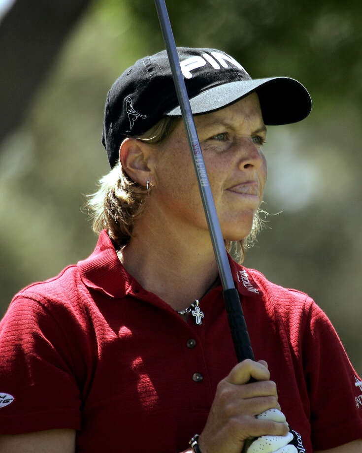 Wendy Ward watches her tee shot fly off the 12th tee in the Takefuji Classic at the Las Vegas Country Club, April 16, 2005. Ward, who led the entire tournament, won the event at 16 under par with a score of 200. Photo: Joe Cavaretta, Associated Press / AP
