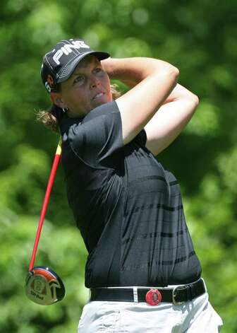 Wendy Ward hits her tee shot on the 6th hole during the final round of the Michelob Ultra Open at Kingsmill Resort on May 10, 2009, in Williamsburg, Va. Photo: Hunter Martin, Getty Images / 2009 Getty Images