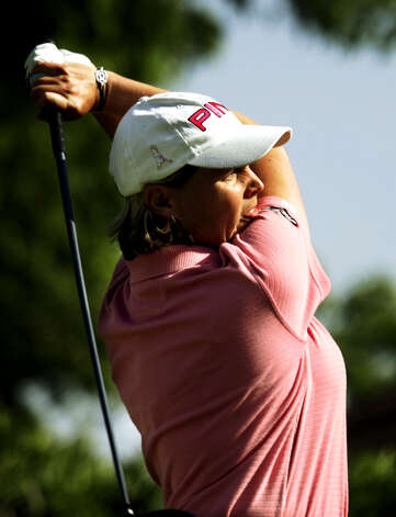 Wendy Ward hits from the 16th tee at the Las Vegas Country Club, April 14, 2005, in the opening round of the Takefuji Classic. Ward finished at 7-under-par 65, to take the first-round lead. Photo: Joe Cavaretta, Associated Press / AP