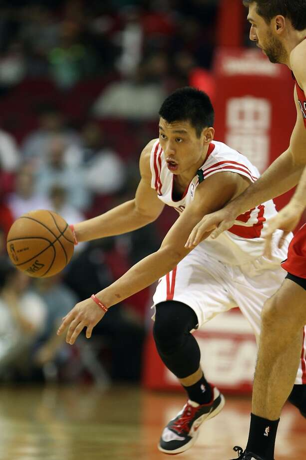 Rockets guard Jeremy Lin missed just two shots against the Raptors. (James Nielsen / Houston Chronicle)