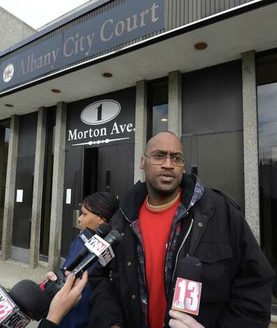 "Anthony Thomas, father of murder victim Tonette Thomas, speaks to the media outside of the Albany City Court building in Albany, N.Y. Nov 28, 2012.  Thomas said he was ""looking for justice"" from alleged murderer Michael Anderson.   (Skip Dickstein/Times Union) Photo: SKIP DICKSTEIN"