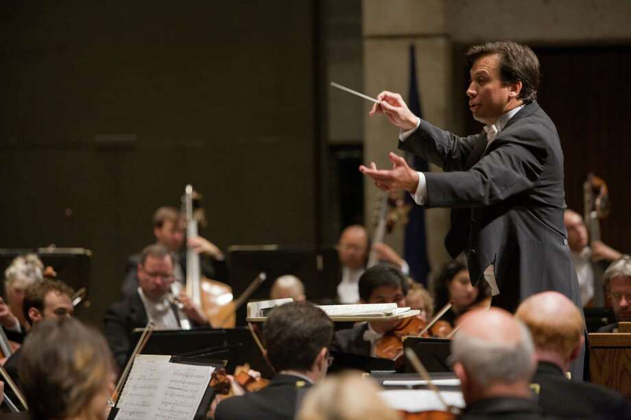 Daniel Hege leads the Syracuse Symphony Orchestra at Civic Center's Crouse-Hinds Concert Theater in Syracuse, NY, 10/17/08.  Photo by Chris Lee Photo: Chris Lee / ©2008 Chris Lee