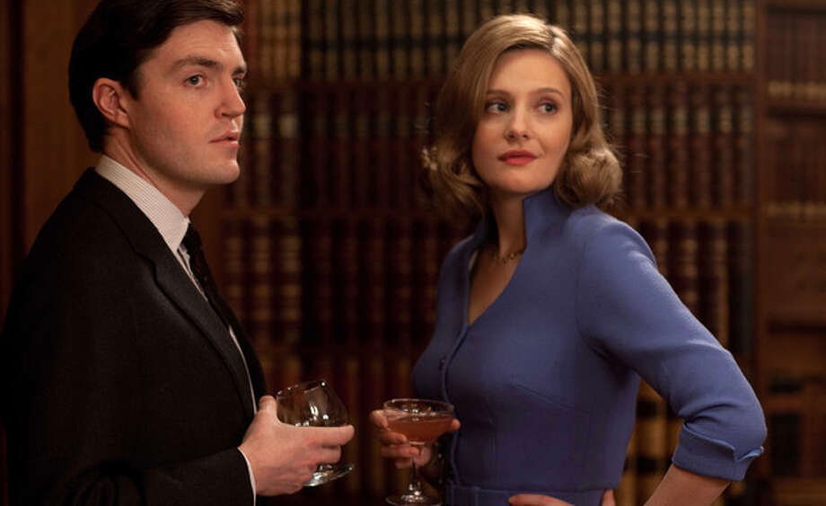 Bel (Romoa Garai) meets a news competitor and potential beau (Tom Burke) (BBC America)