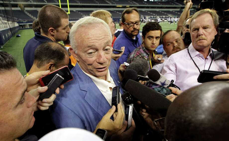 There's nothing wrong with the Dallas Cowboys that replacing Jerry Jones wouldn't fix, according to one reader. Photo: L.M. Otero, Associated Press / AP