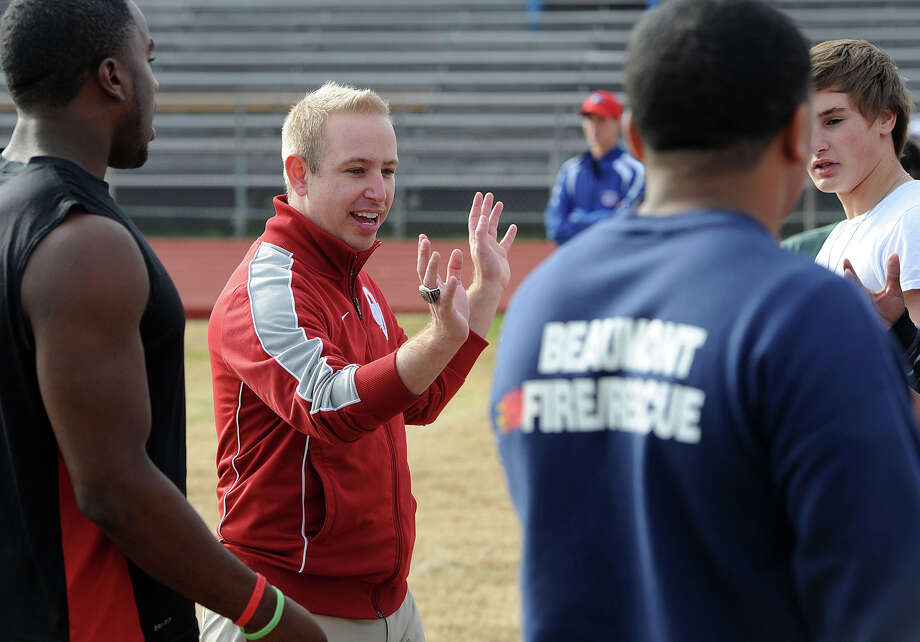 Cody Commander a sports psychologist from the University of Oklahoma works with the West Brook football team during practice on Tuesday.  Photo taken Tuesday, November 27, 2012 Guiseppe Barranco/The Enterprise Photo: Guiseppe Barranco, STAFF PHOTOGRAPHER / The Beaumont Enterprise