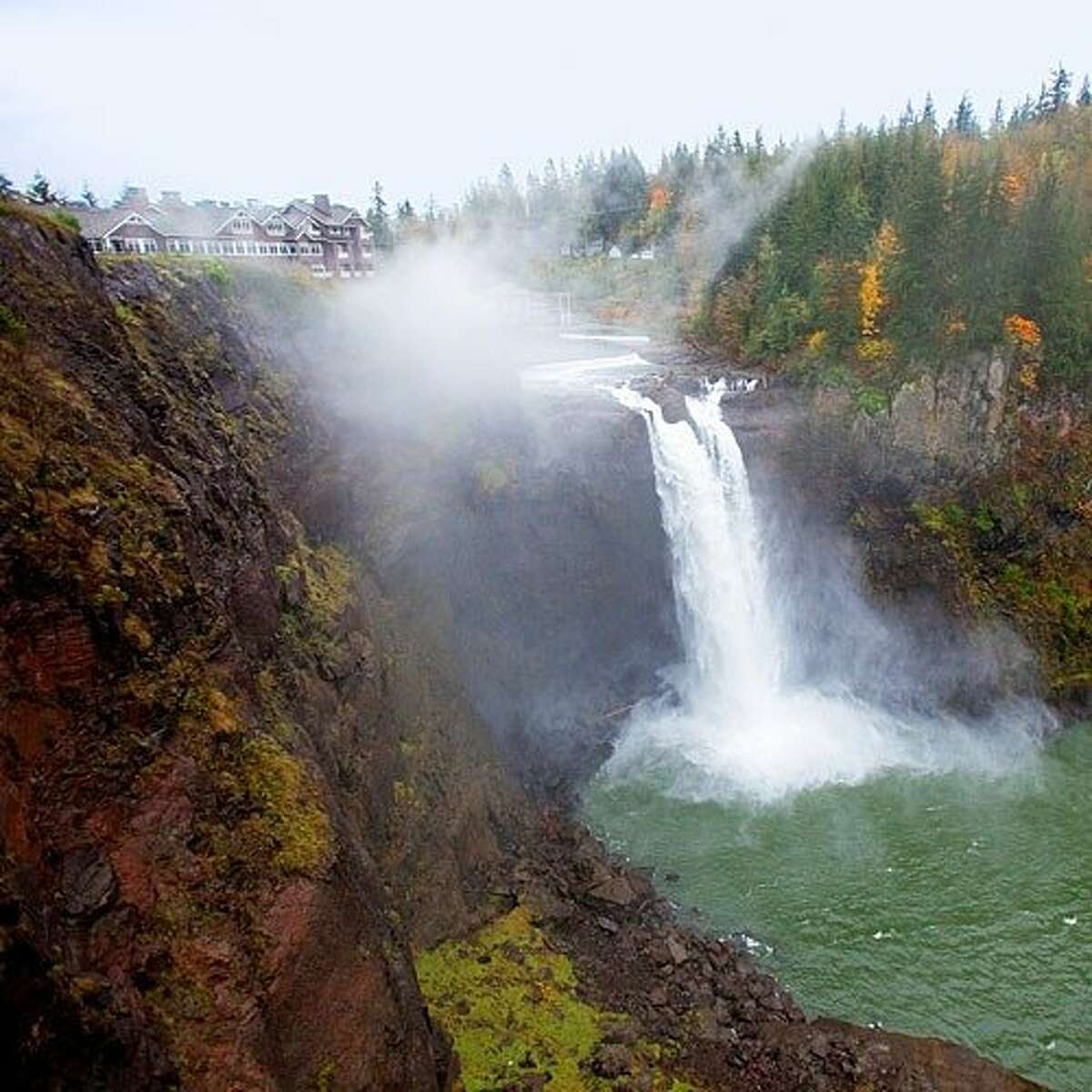 Before or during your journey to Salish Lodge & Spa, we'd suggest swinging through Snoqualmie Falls Brewery and Taproom for a pint on tap and a pretzel braid. The low-key brewpub with bubbling pizzas overlooks the Snoqualmie River, and welcomes kids and four-legged friends for a beverage on the patio alongside cooling umbrellas and friendly staff. Though the journey out to Snoqualmie is just around 30 minutes from Seattle, we'd suggest spending a night or two at the renowned Salish Lodge & Spa. Perched atop the 268-foot Snoqualmie falls, Salish Lodge is beloved by those seeking a welcomingly warm and remarkably refreshing escape from the everyday.