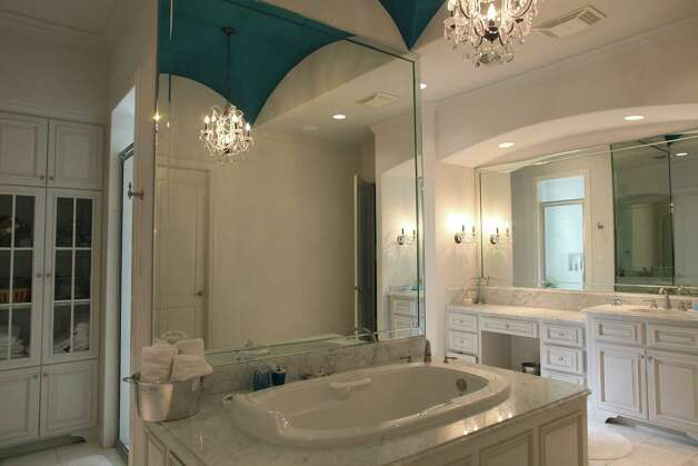The master bathroom in the home of Reema and Naveen Kella in San Antonio on Wednesday, Nov. 28, 2012. Photo: Lisa Krantz, San Antonio Express-News / © 2012 San Antonio Express-News