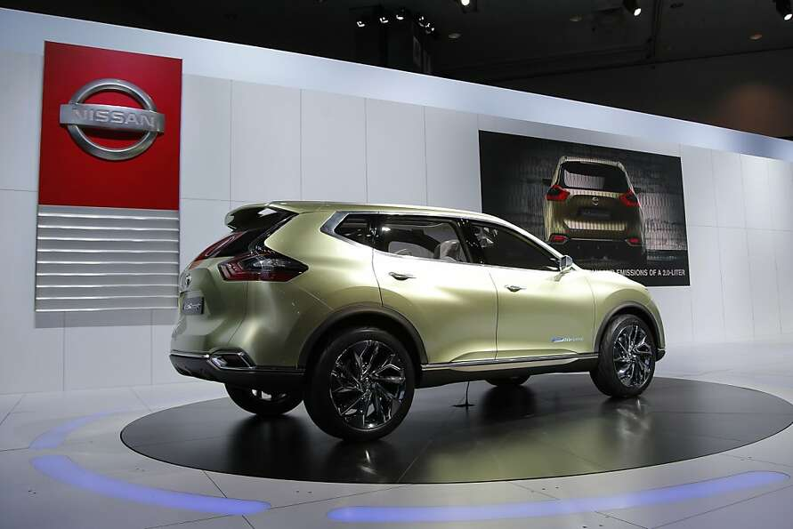 The Nissan Hi-Cross hybrid concept is unveiled at the LA Auto Show in Los Angeles, Wednesday, Nov. 2