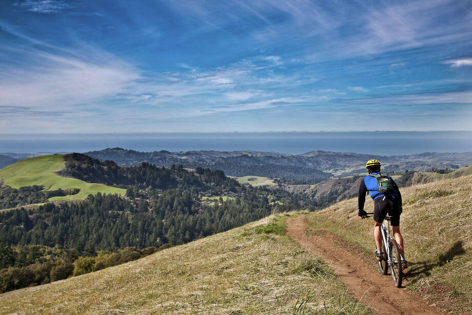 Mountain bike ride with a view at Russian Ridge Open Space Preserve (Photo by Karl Gohl) / Copyright Karl Gohl