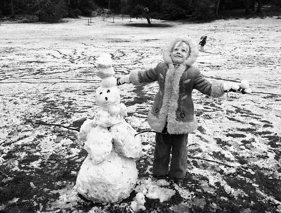 OK, maybe those are supposed to be arms. But I see a couple of sticks on the side, so I'm guessing this is the Carol Doda of snowpeople. (Carol Snow-da?) If you know the girl in this photo, please have her contact me at phartlaub@sfchronicle.com. I'd like an interview for my Let's Go to the Q&A project. Photo: Clem Albers, The Chronicle / ONLINE_YES