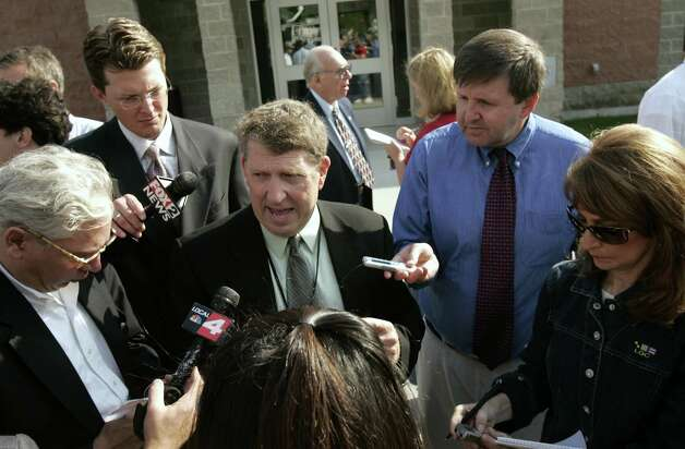 (Caption Information) Photos of a press conference Tuesday, October 4, 2005 at the Warren County Sheriff's Department in Queensbury, New York to discuss the latest information on The Ethan Allen accident on Lake George. (The Detroit News/Elizabeth Conley)(Caption Information) Warren County Sheriff Larry Cleveland addresses journalist during a press conference Tuesday, October 4, 2005 at the Warren County Sheriff's Department in Queensbury, New York to discuss the latest information on The Ethan Allen accident on Lake George. Photo: Elizabeth Conley, The Detroit News / The Detroit News