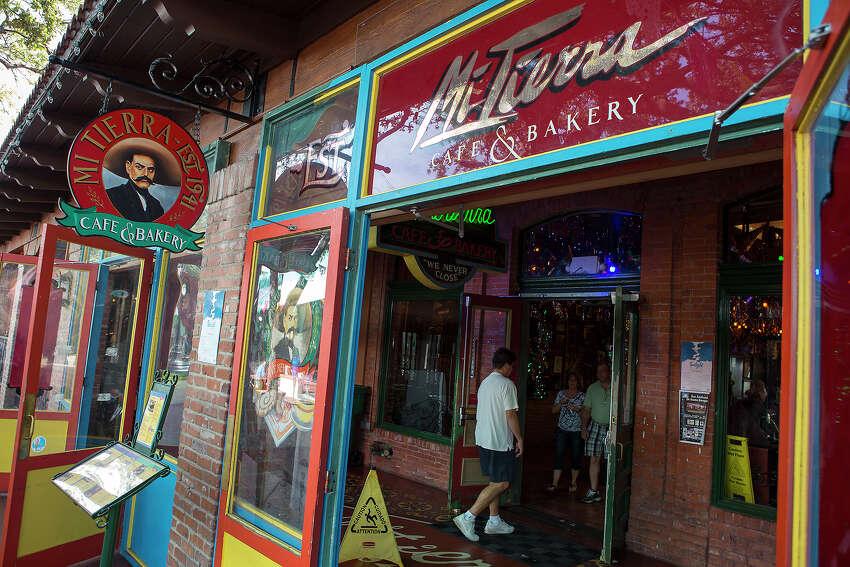 Mi Tierra Cafe & Bakery: 218 Produce Row Date: 04/01/2019 Score: 81 Highlights: