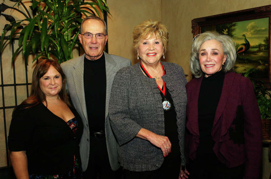 OTS/HEIDBRINK - Ray Maas CEO Gloria Kelly, from left, donor Louis Scantland, Ruth's Chris owner Lana Duke and donor and spouse to Louis, Nancy Scantland gather at the Roy Maas' Youth Alternatives holiday event at Ruth's Chris Steakhouse on 11/18/2012. This is #1 of 2 photos. names checked photo by leland a. outz Photo: LELAND A. OUTZ, SPECIAL TO THE EXPRESS-NES / SAN ANTONIO EXPRESS-NEWS
