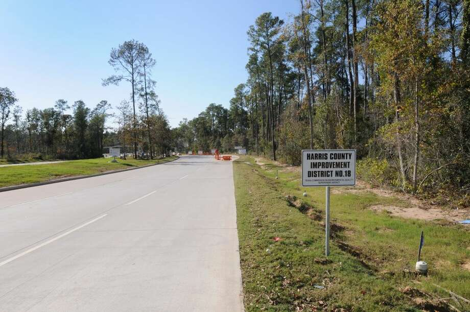 A view looking west from Springwoods Village Parkway upon approaching Energy Drive. (CDC Houston)