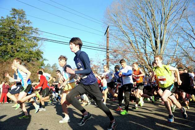 The start of the 35th annual Pequot Runners Thanksgiving Day Five-Mile Race Thursday, Nov. 22, 2012 in Fairfield, Conn. Photo: Autumn Driscoll / Connecticut Post
