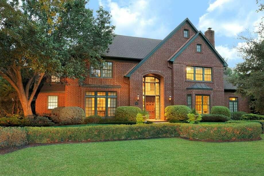 2 Smithdale Estates Dr| MLS # 96351631 | GREENWOOD KING PROPERTIES - VOSS OFFICE | Agent: Sharon Ballas | 713-784-0888 | Photo: GKP