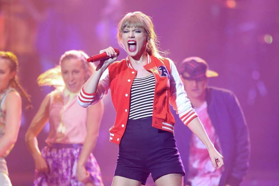 Taylor Swift performs on stage during the 26th Annual ARIA Awards 2012 at the Sydney Entertainment Centre on November 29, 2012 in Sydney, Australia.  (Photo by Brendon Thorne/Getty Images) Photo: Brendon Thorne, Getty Images / 2012 Getty Images
