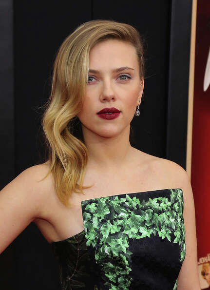 Scarlett Johansson attends the Hitchcock New York Premiere at Ziegfeld Theater on November 18, 2012