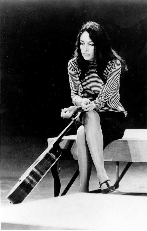 This is a Jan. 1967 photo of folk singer Joan Baez.  (AP Photo) Photo: Anonymous, ASSOCIATED PRESS / AP1967