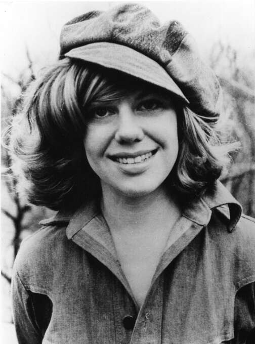 US American author of the best seller The Fear of Flying, Erica Jong, 32, poses for this 1975 file photo. Groundbreaking author. Photo: STR, AP / 2007 AP