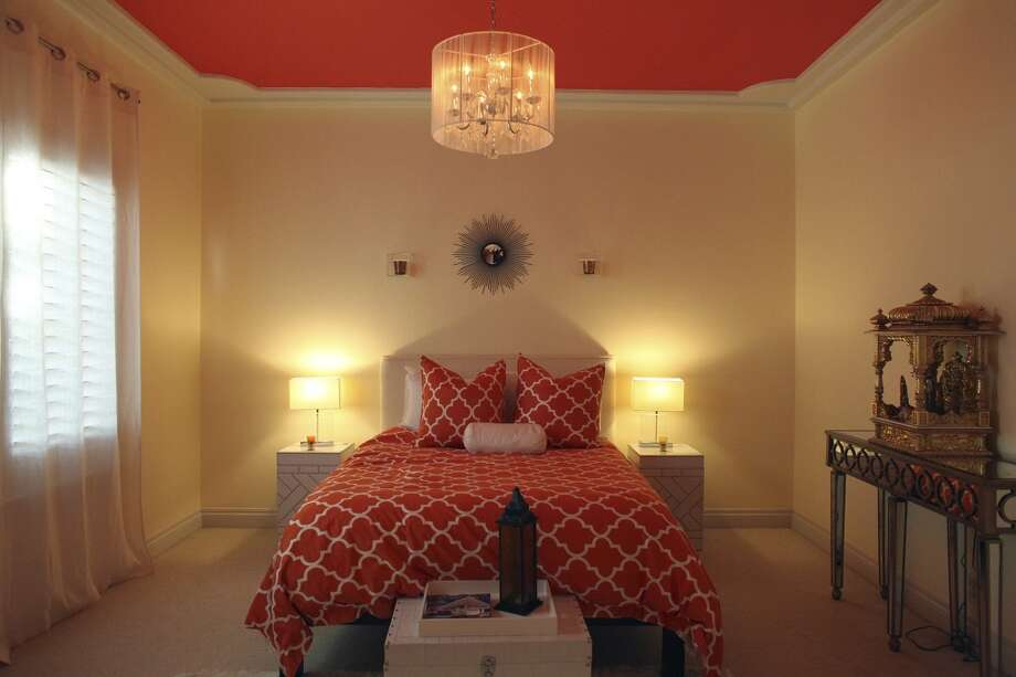 The guest bedroom in the home of Reema and Naveen Kella in San Antonio on Wednesday, Nov. 28, 2012. (San Antonio Express-News)