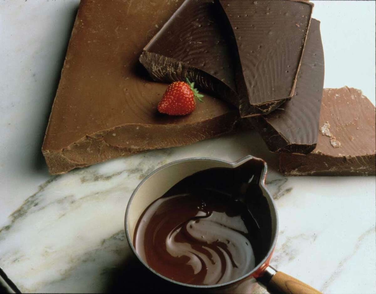 1,155: Number of U.S. manufacturing establishments that produced chocolate and cocoa products in 2010, employing 35,074 people. California led the nation in the number of chocolate and cocoa manufacturing establishments, with 121, followed by Pennsylvania, with 114.