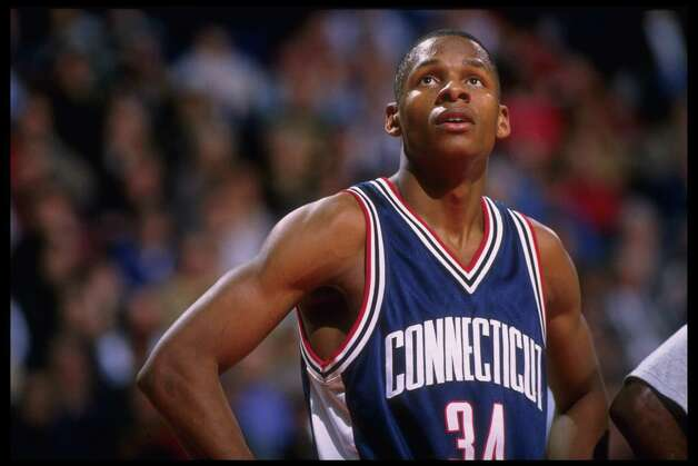 19 Feb 1996: Guard Ray Allen #34 of the Connecticut Huskies pauses on the court during a break in the action against the Georgetown Hoyas in this Big East match-up at the USAir Arena in Washington, D.C. Georgetown defeated UConn 77-65. Photo: Doug Pensinger, Getty Images / Getty Images North America
