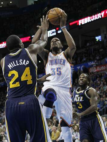 Kevin Durant scored 25 points as the Thunder were again dominant at home. Photo: Sue Ogrocki, Associated Press
