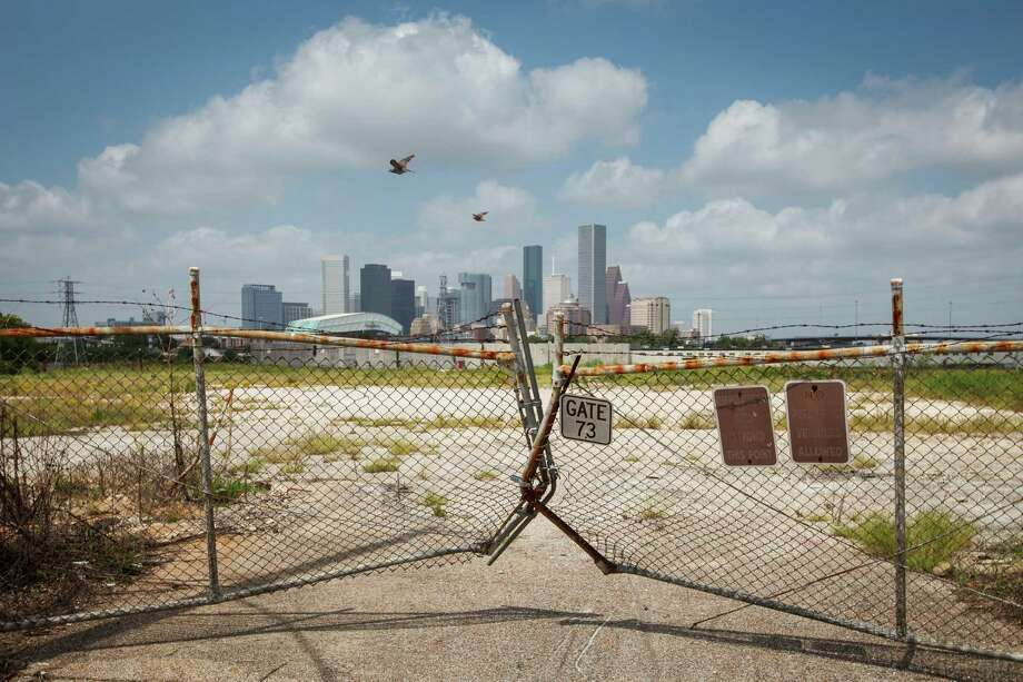 "The former KBR site sits empty east of downtown along Buffalo Bayou. ""It's a site with immense potential,"" Peter Brown of Better Houston says. Photo: Michael Paulsen, Staff / © 2012 Houston Chronicle"