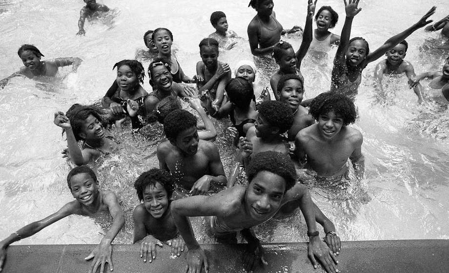 Aug. 6, 1977: Another photo from Martin Luther King Pool. (Chronicle file)