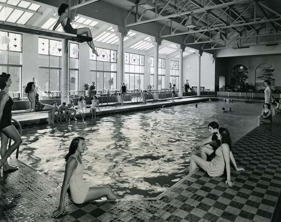1945: A photo of the Fairmont Plunge, a popular pool which was converted into the Tonga Room at a cost of $75,000. (Chronicle file) Photo: X