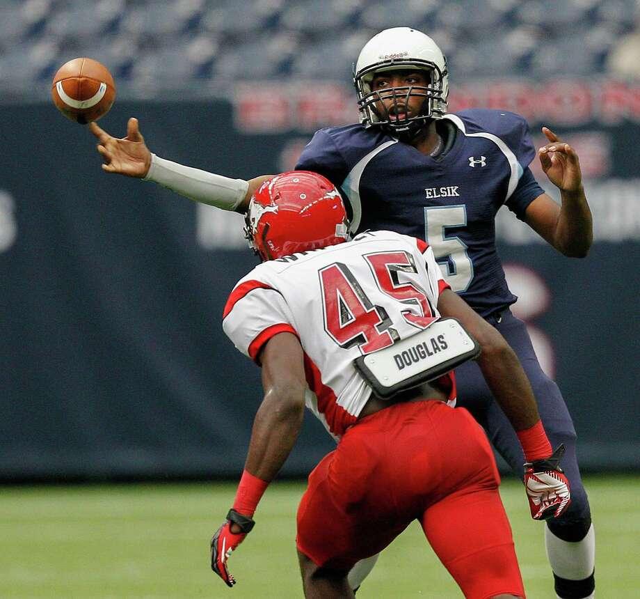 North Shore linebacker Zach Whitley (45) Photo: Bob Levey, Houston Chronicle / ©2012 Bob Levey