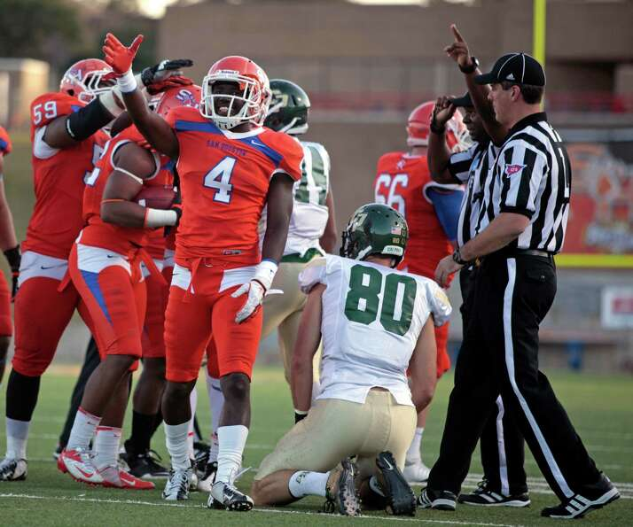 Sam Houston State's Ryan Wilson (4) signals possession after the Bearkats recovered a fumble by Cal