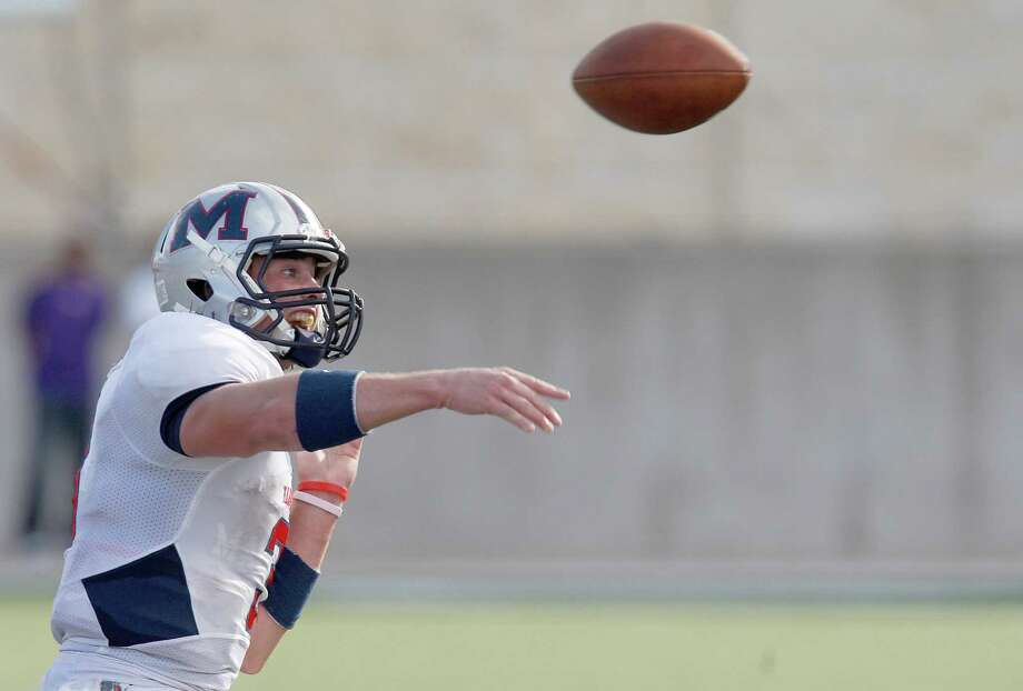 Manvel Mavericks quarterback Shane McCarley #3 completes a pass. Photo: Thomas B. Shea, For The Chronicle / © 2012 Thomas B. Shea