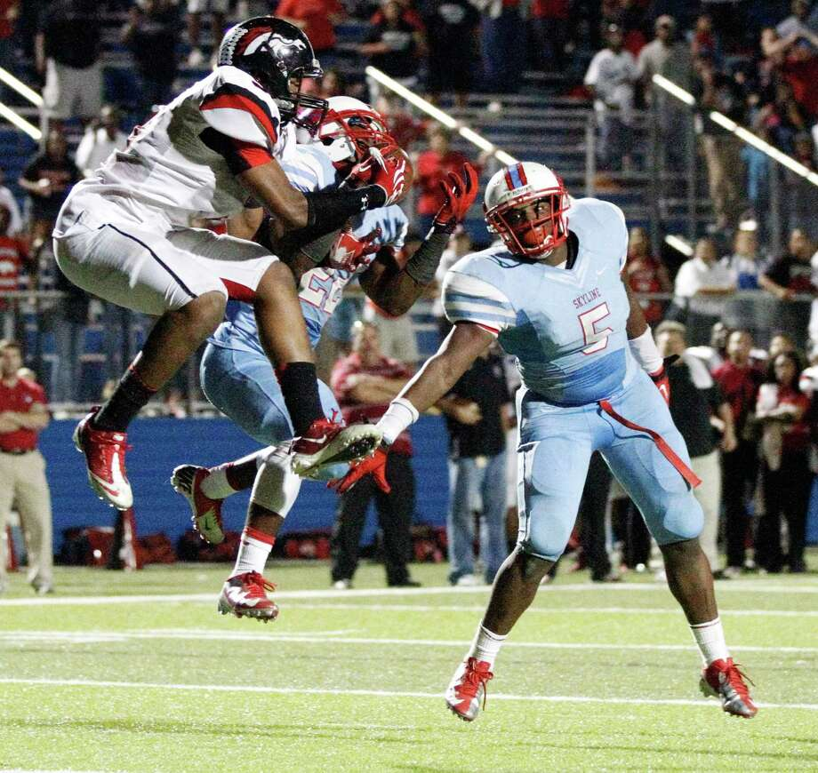Dallas Skyline 38, Spring Westfield 33Skyline's Derrick Dixon (22) intercepts a Spring Westfield pass in the end zone in the final seconds. Photo: Stan Olszewski, Staff Photographer / Stan Olszewski/SOSKIphoto