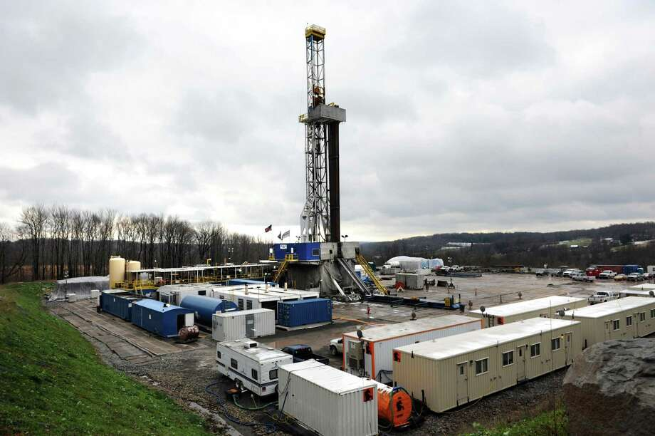 Natural gas drilling pad and tower at a new worksite on Tuesday, Nov. 13, 2012, in Bridgewater, Penn. (Cindy Schultz / Times Union) Photo: Cindy Schultz