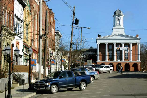 Shops and the court house on Main Street on Wednesday, Nov. 14, 2012, in Montrose, Penn. (Cindy Schultz / Times Union) Photo: Cindy Schultz