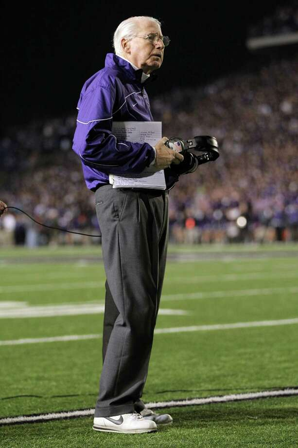 Head coach Bill Snyder of the Kansas State Wildcats watches a replay during the game against the Texas Longhorns at Bill Snyder Family Football Stadium on December 1, 2012 in Manhattan, Kansas. Photo: Jamie Squire, Getty Images / 2012 Getty Images