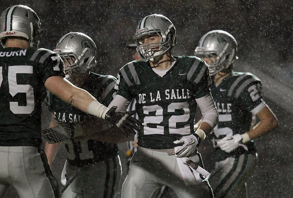 de la salle wins title sfgate. Black Bedroom Furniture Sets. Home Design Ideas