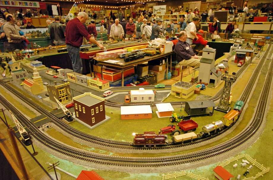 Times Union staff photo by Paul Buckowski ---    , (cq) ,  A view of the train display at the annual Great Train Extravaganza at the Empire State Plaza Convention Center in Albany, N.Y. on Sunday, Dec. 3, 2006.  The event is put on by the Upstate Train Association and it is always held on the first Sunday in December.  This train layout by the association that was at the extravaganza will be dismantled on taken to the Schenectady Museum & Suit-Bueche Planetarium where it will be put up and on display through January 15, 2007. (Hearst)