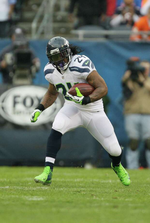 Seattle Seahawks running back Marshawn Lynch (24) rushes against the Chicago Bears in the first half of an NFL football game in Chicago, Sunday, Dec. 2, 2012. Photo: AP