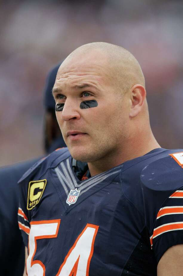 Chicago Bears linebacker Brian Urlacher (54) looks on from the sidelines in the second half of an NFL football game against the Seattle Seahawks in Chicago, Sunday, Dec. 2, 2012. Photo: AP