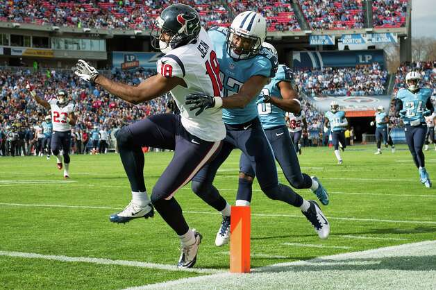 Texans receiver Lestar Jean scores the first touchdown of the game and his career. Photo: Smiley N. Pool, Houston Chronicle / © 2012  Houston Chronicle