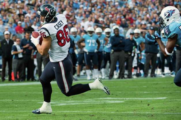 Texans fullback James Casey runs in the end zone on a 5-yard touchdown pass. Photo: Smiley N. Pool, Houston Chronicle / © 2012  Houston Chronicle