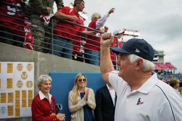 Texans defensive coordinator Wade Phillips pumps his fist to fans after the win. Photo: Smiley N. Pool, Houston Chronicle / © 2012  Houston Chronicle