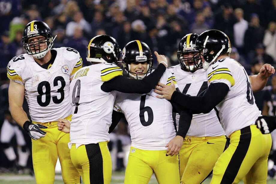 Steelers kicker Shaun Suisham (6) is all smiles after his last-second field goal beat the Ravens. Photo: Rob Carr, Staff / 2012 Getty Images
