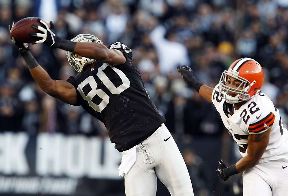 Rod Streater is making the most of his increased playing time with 196 receiving yards in the Raiders' past two games. Photo: Carlos Avila Gonzalez, The Chronicle