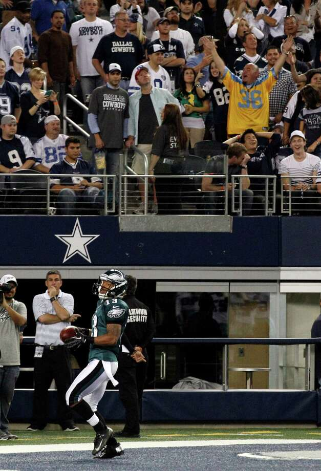 Philadelphia Eagles wide receiver Damaris Johnson (13) makes a 98-yard punt return for a touchdown against the Dallas Cowboys during the second half of an NFL football game, Sunday, Dec. 2, 2012, in Arlington, Texas. The Cowboys won 38-33. (AP Photo/Tony Gutierrez) Photo: Tony Gutierrez, Associated Press / AP