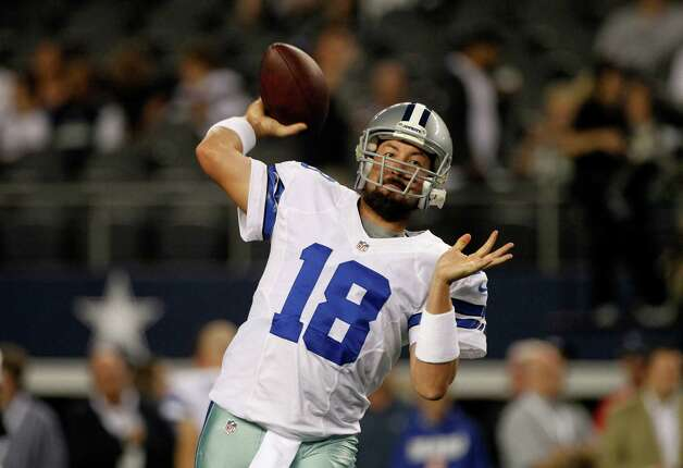 Dallas Cowboys quarterback Kyle Orton  throws a warm up pass before an NFL football game against the Philadelphia Eagles Sunday, Dec. 2, 2012, in Arlington, Texas. (AP Photo/Tony Gutierrez) Photo: Tony Gutierrez, Associated Press / AP