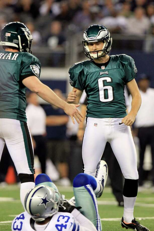 Philadelphia Eagles kicker Alex Henery (6) celebrates after scoring a field goal against the Dallas Cowboys during the second half of an NFL football game Sunday, Dec. 2, 2012 in Arlington, Texas. (AP Photo/LM Otero) Photo: LM Otero, Associated Press / AP